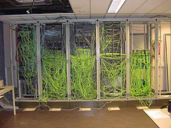 Messy-Cabling